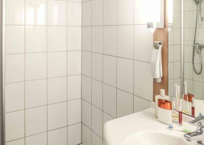 ibis hotel den haag scheveningen badkamer